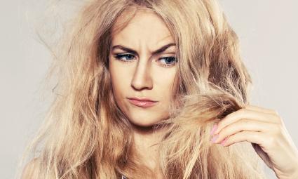 Jak řešit padání vlasů